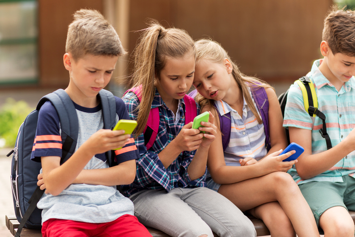 Best Ways to Protect Your Children on Their Phone